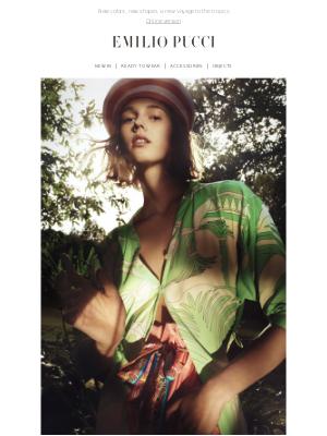 Discover the exotic charm of the La Villa print