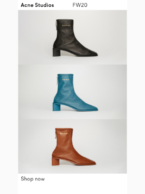 Branded leather boots for Fall/Winter 2020